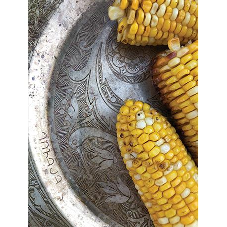 кукуруза на тарелке по вкусу вкусная