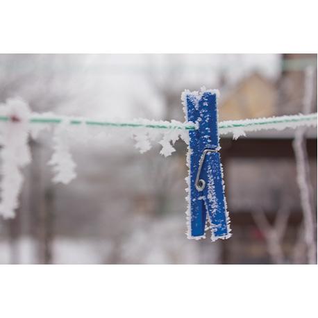 прищепка примёрзла при морозе